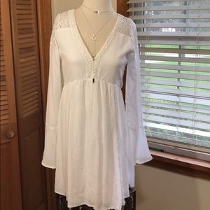 Abercrombie lace crochet boho flare sleeve dress